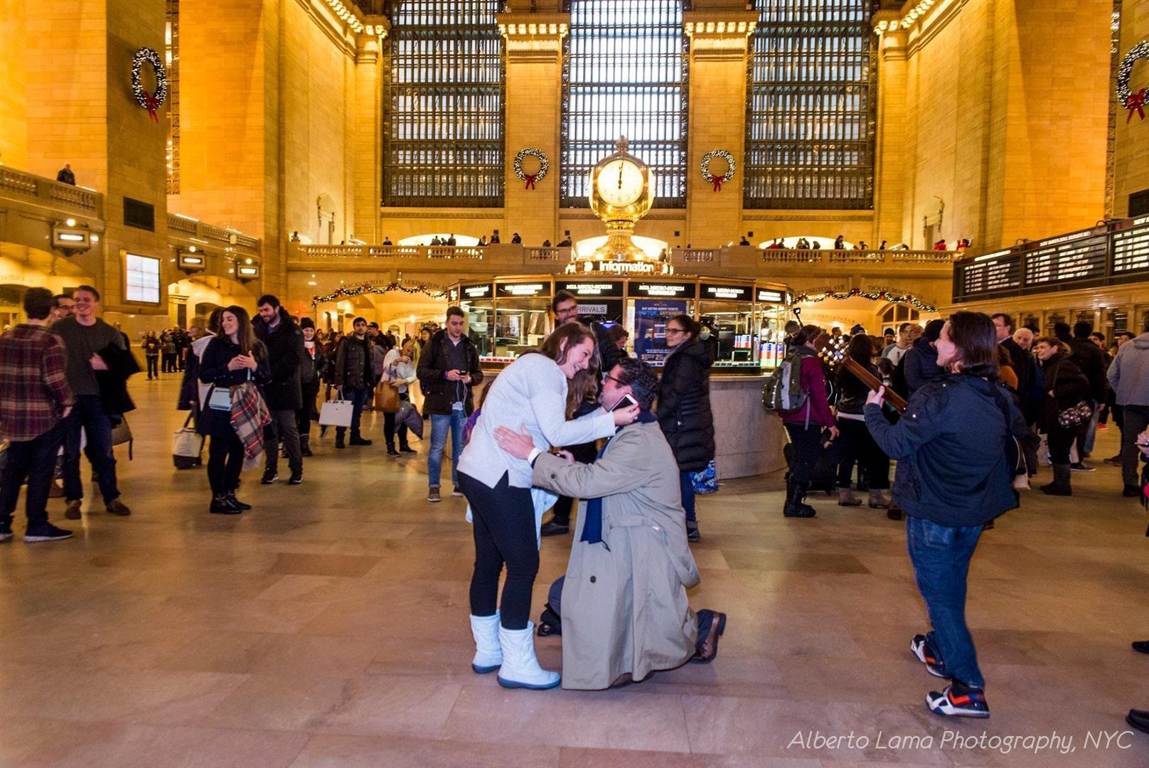 The Proposal at Grant Central Station in New York | MouseMingle.com