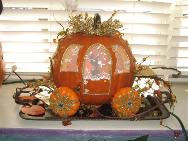 Pumpkin Coach   MouseMingle.com