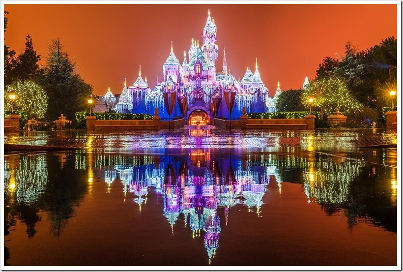 Disneyland Christmas Must-Sees | MouseMingle.com
