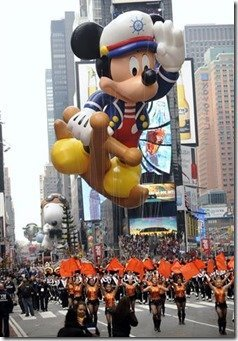 Macy's Parade - MouseMingle.com