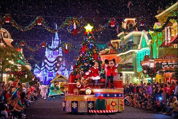 Mickey's Once Upon A Christmastime Parade | MouseMingle.com